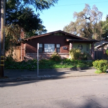 913 Washington Street. Built in 1924. Style: Bungalow. Heavily remodeled in the 1970's.