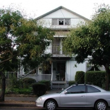 724-728 Morgan Street. Built between 1904-1907. Style: Queen Anne/Colonial Revival.