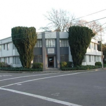 """576 B Street. Built:  1940. Style: Art Deco. Historic name: """"Thurlow Medical Building"""". Constructed for Dr. Amos Thurlow who was born in Michigan in 1884 and moved to Santa Rosa in 1922. In 1947 he as the medical Director of the Sonoma County Hospital and lived in the McDonald District. In 1947, the building had 6 physician offices and a pathology lab."""