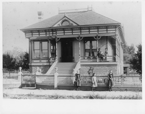 216 Tenth Street circa 1888 - destroyed for freeway
